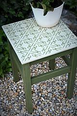 Nábytok - Taký vidiecky stolík v zelenom - 8522697_