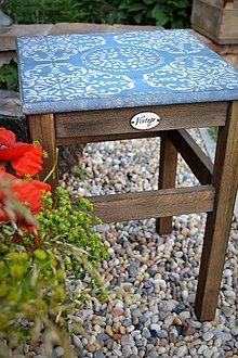 Nábytok - Modrý stolík s ornamentom - 8522636_