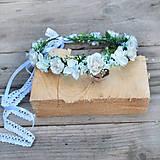 Romantický venček z nevestinho závoja a ružičiek