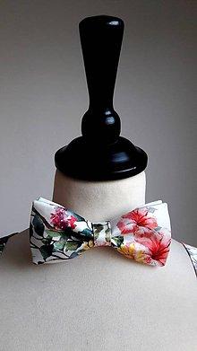 Doplnky - pánsky motýlik s kvetmi - 8525156_