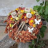 Dekorácie - Venček zo sušených kvetov na dvere - 8524583_