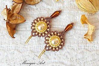 Náušnice - Hnedé náušnice s perlami a pozláteným háčikom - 8529751_