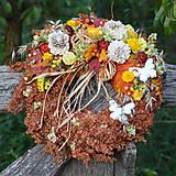 Dekorácie - Venček zo sušených kvetov na dvere - 8528208_