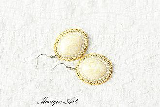 Náušnice - Zlato-biele náušnice s korálkou terracotta - 8530518_