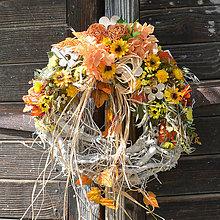 Dekorácie - Jesenný veniec na dvere - 8531897_