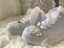 Obuv - Ručne zdobené svadobné tenisky pure love :* - 8533107_
