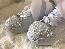 Obuv - Ručne zdobené svadobné tenisky pure love :* - 8533109_