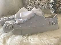Obuv - Ručne zdobené svadobné tenisky pure love :* - 8533110_