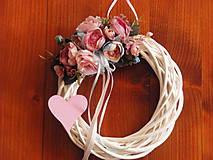 - Pudrovo ružovo- modrý venček so srdcom - 8535270_