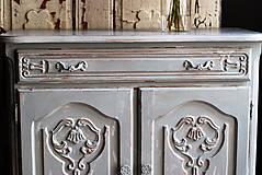 Nábytok - Patinovaná skrinka Paris grey - Predaná :) - 8539786_