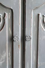 Nábytok - Patinovaná skrinka Paris grey - Predaná :) - 8539789_