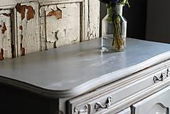 Nábytok - Patinovaná skrinka Paris grey - Predaná :) - 8539791_