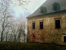 - Jesenná melanchólia - dom, ktorý nie je viac domovom - 8536499_