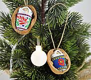 Dekorácie - Vianočné oriešky s bábätkom, folk rôzne stuhy - 8537662_