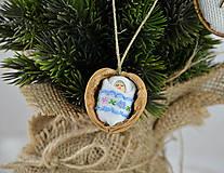 Dekorácie - Vianočné oriešky s bábätkom, vyšívaná stuha bledomodrá - 8537778_