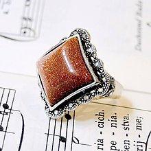 Prstene - Barocco Sandstone Square Ring / Starostrieborný barokový prsteň s rekonštr. slnečným kameňom - 8540093_
