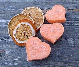 Darčeky pre svadobčanov - Plávajúca sviečka - pomarančové srdiečko - 8542849_