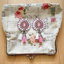 Náušnice - Krásne ružovo-biele náušničky :) - 8541130_