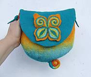 Kabelky - ...plstená taška s motýľom... - 8543517_