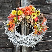 Dekorácie - Veniec v jesenných farbách - 8543879_