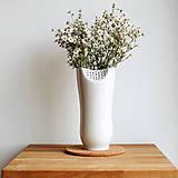 Dekorácie - White Flower (porcelánová váza) - 8546600_