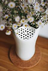 Dekorácie - White Flower (porcelánová váza) - 8546602_