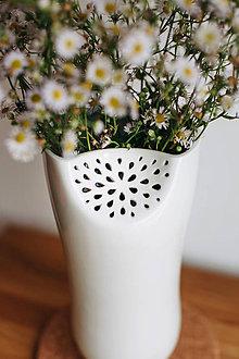 Dekorácie - White Flower (porcelánová váza) - 8546601_