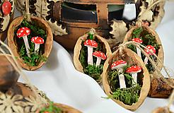 - Vianočné oriešky s muchotrávkami - 8545467_
