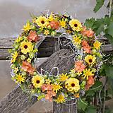 Dekorácie - Veniec na dvere v jesenných farbách - 8547520_