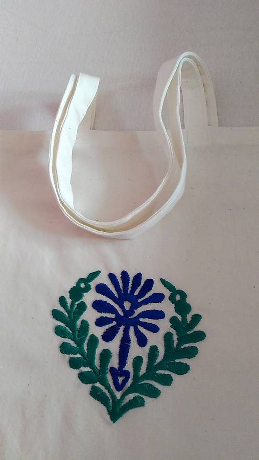 Taška so zeleno-modrou výšivkou