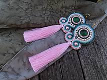 - S ružovým strapcom - soutache - 8548329_