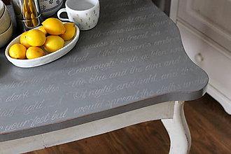 Nábytok - Starý stôl s príbehom - 8548192_