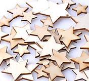 Drevený výrez hviezdička