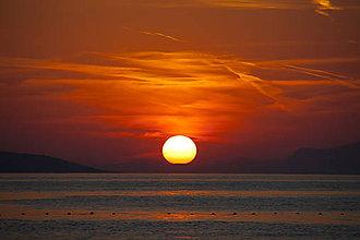 Fotografie - Keď sa slnko dotkne zeme - 8553901_