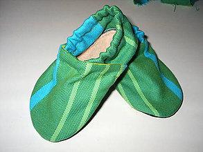 Topánočky - capačky z little frog látky - 8552253_