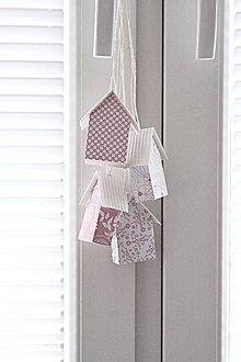 Dekorácie - Závesné domčeky - ružové I - 8554457_