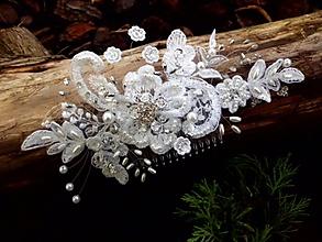 Ozdoby do vlasov - snehobiely svadobný hrebienok - 8555095_
