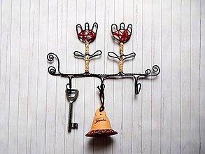 Nábytok - Drôtený vešiačik - 8554896_