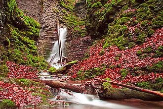Fotografie - Vodopád na jeseň - 8555512_