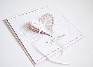 Papiernictvo - Vyšívaný pozdrav k narodeniu dievčatka - 8562828_