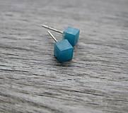 Náušnice - Mini modré kocky - živicové napichovačky č.1263 - 8562683_