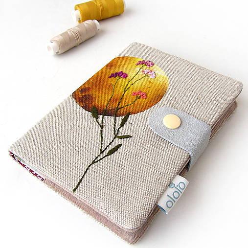 Vyšívaný zápisník Okrový kruh s lúčnym kvetom - A6