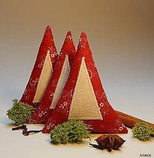 Dekorácie - Vianočné ozdôbky - červeno biele - stromček - 8562782_