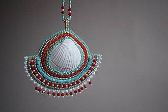 Sady šperkov - Vyšívaný náhrdelník s mušľou + náušnice - 8568273_