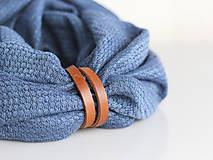 Šály - Hrejivý tmavomodrý ľanový nákrčník s koženým remienkom - 8565309_