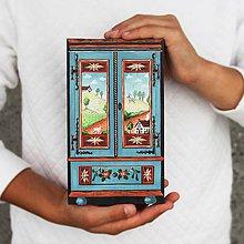 Dekorácie - Miniatúrna starožitná skrinka - Rakúsko, kópia - 8564790_