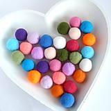 Náušnice - Zlaté náušnice so srdcom a s brmbolcom - 15 rôznych farieb - 8565745_