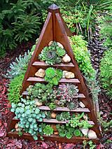 Nádoby - Drevený pyramidový kvetináč - 8568440_