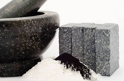 Kokosové so soľou a uhlím