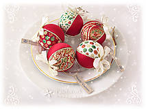 Dekorácie - Vianočné gule patchworkové - Červená sada Kašmír - 8566366_